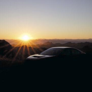 スバルが新型WRXのティーザー画像を公開、年内に発表すると予告
