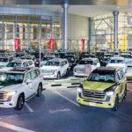ドバイ警察が新型ランドクルーザーを一気に50台、パトカーとして購入し、納車が行われる