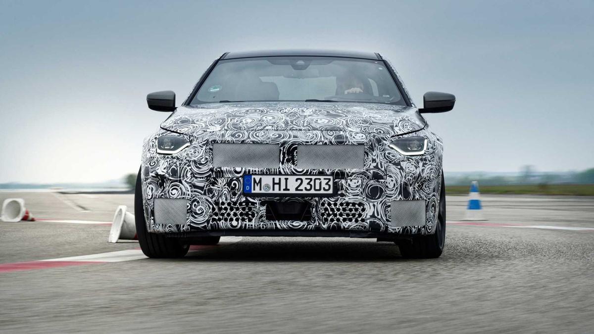 BMWが追加で新型2シリーズのティーザー画像を公開
