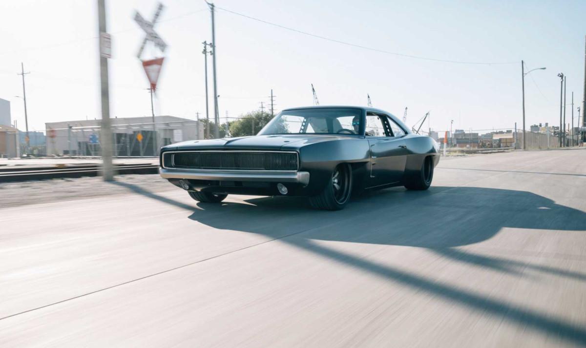 「ワイルド・スピード/ジェットブレイク」に登場するドムの愛車をそっくりそのまま再現したショップがあった