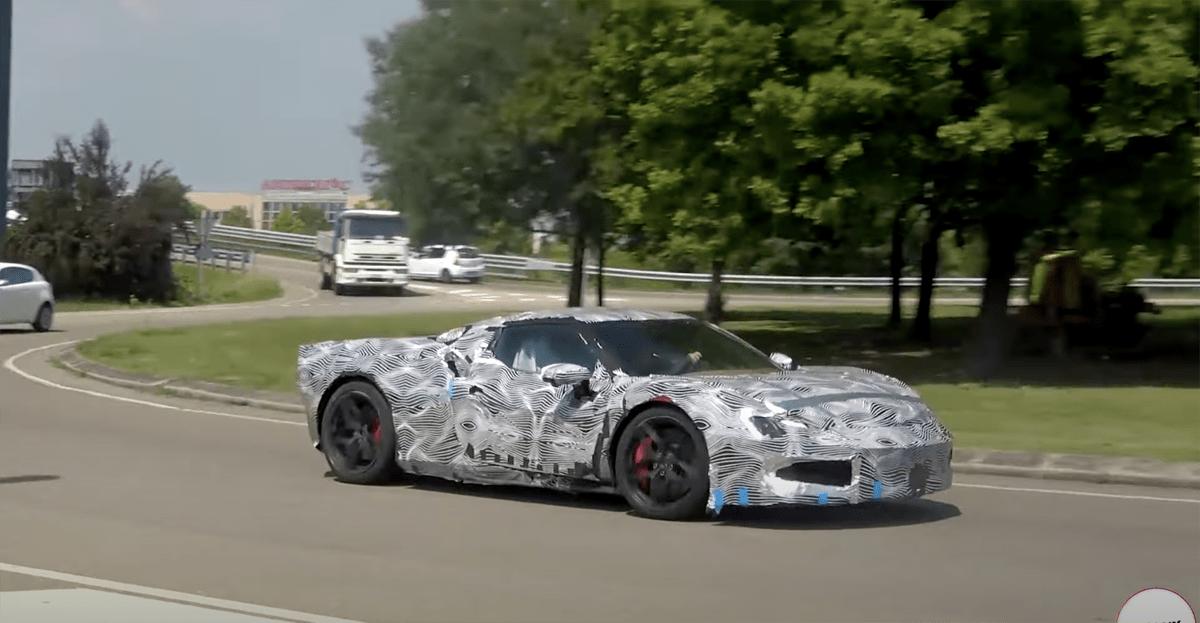新型フェラーリV6ハイブリッドの走行風景が目撃される