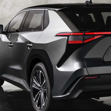 トヨタが株主総会にて改めて「EV一辺倒にはならず、ガソリン車も残す」と明示