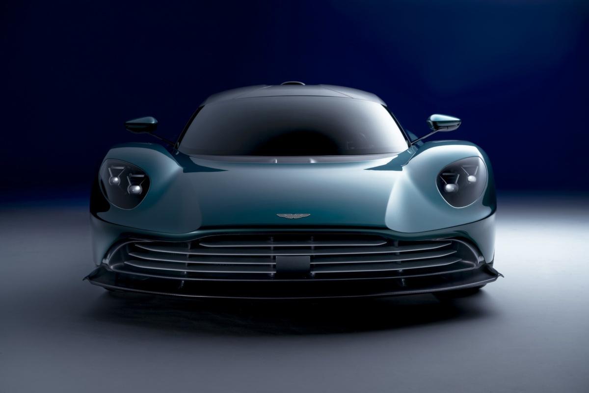 アストンマーティンが新型ハイパーカー「ヴァルハラ」のスペックを発表!エンジンはAMG製V8、前後にモーターを搭載し950馬力を発生する4WD