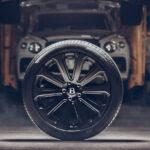 ベントレーが「自動車史上最大」のカーボンホイールを発表!ベンテイガ用22インチ、1本あたり6キロの軽量化が可能に