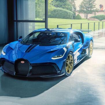 ブガッティが1台6億円以上、限定台数40台のディーヴォをすべて作り終えたと発表!最後のディーヴォは「EB110 LMブルー」、ホイールはゴールド