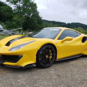 やっぱりフェラーリは事故車でも高価!左リアを大きく破損した488ピスタが競売に登場、2700万円まで価格が上昇することに
