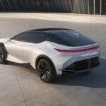 レクサス「今後の電動車においてはドライビングプレジャーを追求する」。現在、運転が楽しいとはいい難いクルマの筆頭であるレクサスがどう「楽しさ」を実現するのか