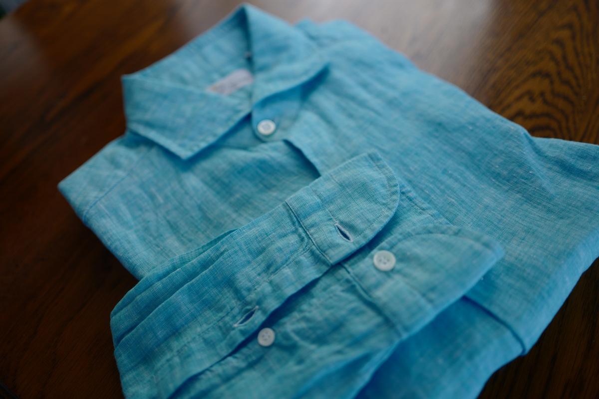 マリオ・ムスカリエッロのリネンシャツを買う!夏はこれの「袖まくり」とショートパンツで乗り切る予定