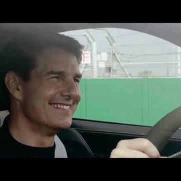 トム・クルーズがポルシェ911GT3をドライブ