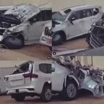 中東にて新型ランドクルーザーを輸送中の積車が横転する大事故が発生