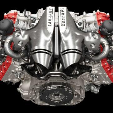 フェラーリ「296GTBのV6はマセラティMC20のV6とはなんら関係性がない。フェラーリは何者の真似もしないし、他から何かを受け継ぐこともない」