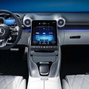メルセデス・ベンツが新型SLの内装を先行公開!より未来的、より芸術的、より先進的、そしてよりエレガントに