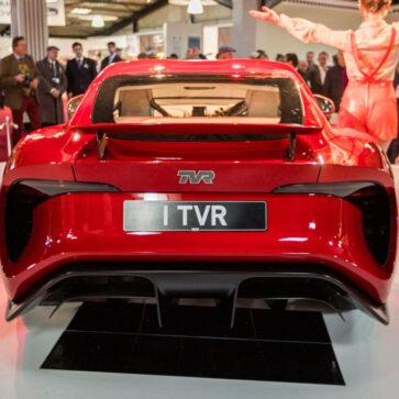 発表からもう4年。TVRグリフィスは未だ生産が開始されず、このまま消滅もしくは規制に対応するためにEVもしくはPHEVになるんじゃないかというウワサ