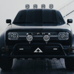 【動画】米で人気沸騰、EVスタートアップ「アルファ」による電動トラック、ウルフが正式発表。レトロモダンなデザインに手頃な価格