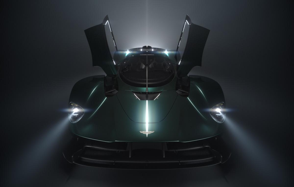 アストンマーティンが「ヴァルキリー・ロードスター」の発表を予告!クーペの限定台数「150台」とは別枠にて用意?