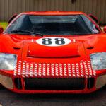 映画「フォードVSフェラーリ」撮影のため製作された6台のうち、唯一公道走行が可能なフォードGTレプリカが販売