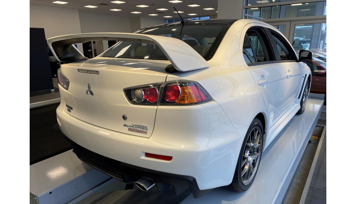 カナダの三菱正規ディーラーが「ランサーエボリューション・ファイナルエディション」最後の1台(シリアルプレートつき)を1300万円で販売中