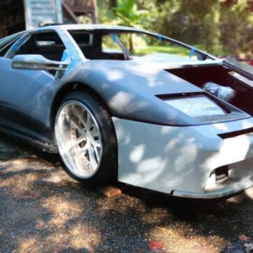 けっこう完成度高い?「作りかけ」なるもランボルギーニ・ディアブロのレプリカが販売中。一部実際のディアブロのパーツを採用し、BMW製V12エンジンを搭載可能