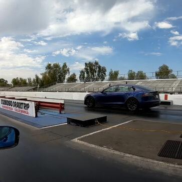 「市販車加速王」決定戦!2.6億円のリマック・ネヴェーラ、1350万円のテスラ・モデルSプラッドがガソリン車とは別次元の戦いを繰り広げる