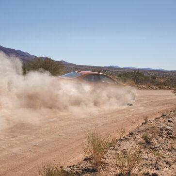 新型スバルWRXの発表が9月10日に決定!現在わかっているのは内外装のいくつかのディティールくらい。気になるエンジンは2.4リッターターボ、300馬力と言われるが