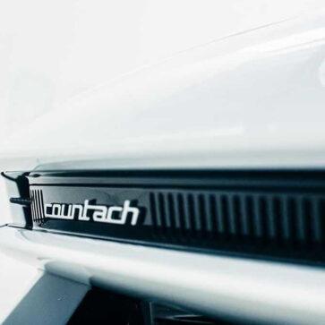 ランボルギーニが「新型カウンタック」ティーザー画像第二弾を公開!どうやらデザインイメージはコンセプトカーの「LP500」であるようだ