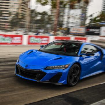 ホンダNSX TypeSが「ロングビーチ・サーキット」で市販車最速記録を更新!なおボディカラーは「ロングビーチ・ブルー」