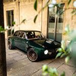 アルファロメオ・ジュリアのレストモッドに新手が登場!ボディパネルはカーボン、パワートレーンは518馬力の「モーター」もしくは612馬力の「ガソリン」が選択可能、価格は5500万円から