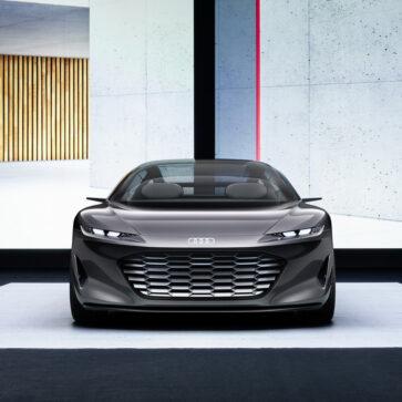 アウディA8後継モデルを示唆?将来のアウディにつながるデザインを持つ「グランドスフィア・コンセプト」公開