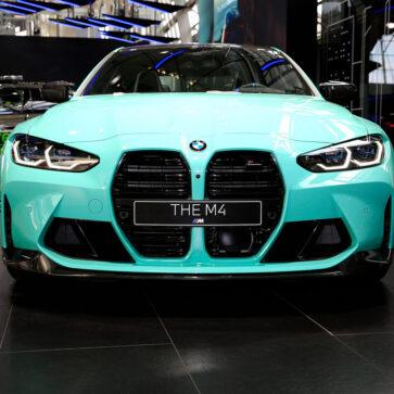 そのボディカラーは「ミントグリーン」!カスタムカラーそしてオプション満載のBMW M4が公開。OPだけでいくらかかってるんだろうな・・・