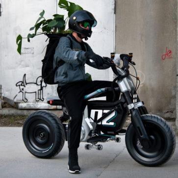 BMW Motorrad「Concept CE 02」