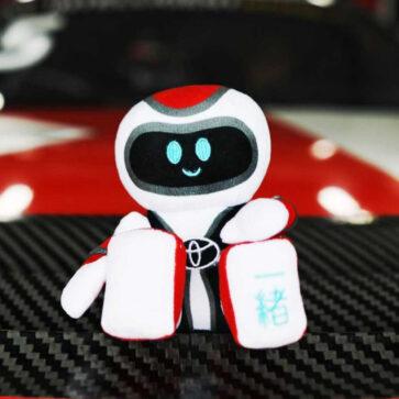GR最新モデルは「GR Issho(一緒)」!英国トヨタがGRファン向けにマスコットとして発売、スープラの購入者には無償でプレゼントしてくれるようだ