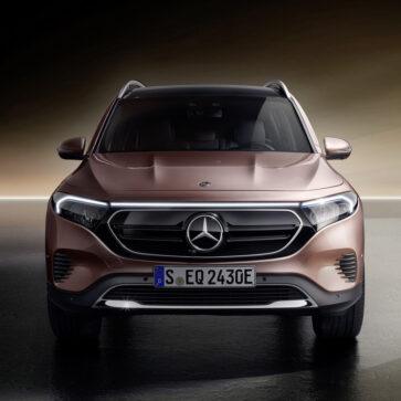 こんなに一気に新型車を発表して大丈夫?メルセデス・ベンツがGLBのピュアEV版「EQB」を公開。2022年はじめに販売開始