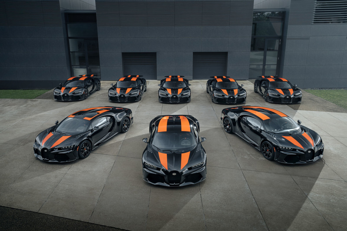 ブガッティが「シロン スーパースポーツ300+の初回生産8台を出荷する」と発表!なんと全部同じカラー、そして8台で36億8000万円