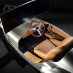 予想落札価格1800万円!ピニンファリーナがデザインした「クラシックカー風のレーシングシミュレーター」が競売に登場