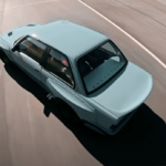 これまたスゴいカスタム出た!E30世代のBMW M3にレクサス製V8エンジンをインストール、前後オーバーフェンダー