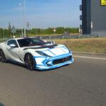 パールホワイトにパープル!斬新なカラーを持つフェラーリ812コンペティツォーネがテスト中