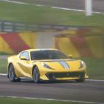 【動画】オプション含め総額8000万円!フェラーリ812コンペティツォーネが雄叫びをあげてフェラーリのテストコースを走る